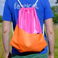 Turnbeutel / Rucksack aus Glanznylon wasserabweisend pink orange
